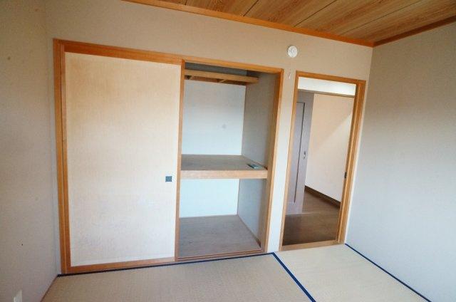 2階寝室押入