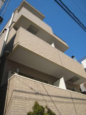 4階建ての鉄筋コンクリート造