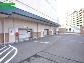 前面が広いので駐車がらくらく。