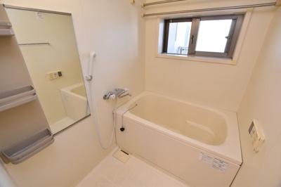 【浴室】ルーセントオーデン難波