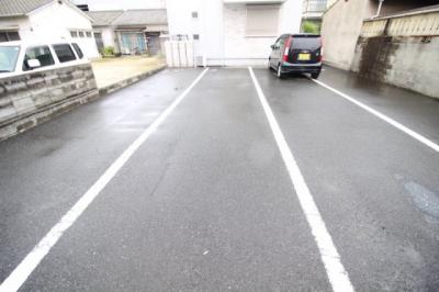 【駐車場】カーサフィオーレ泉田