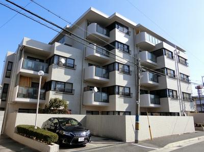 【現地写真】 鉄骨造の5階建♪陽当たりの、良いマンションとなっております♪