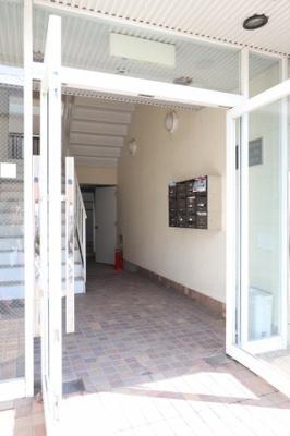 【エントランス】グリュイエール野田(事務所)2号棟