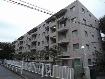 JR横浜線「小机」駅徒歩15分。