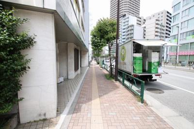 石巻ビル 物件前 尾久橋通り沿いの物件です!