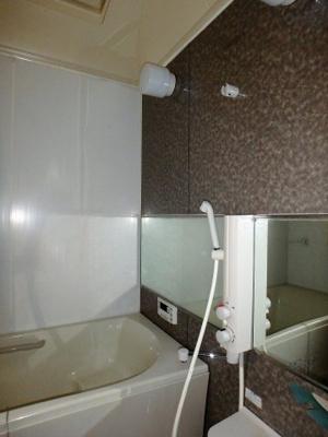 【浴室】30坪角地の中古戸建 川口市安行領根岸