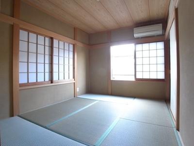 落ち着いた畳の和室