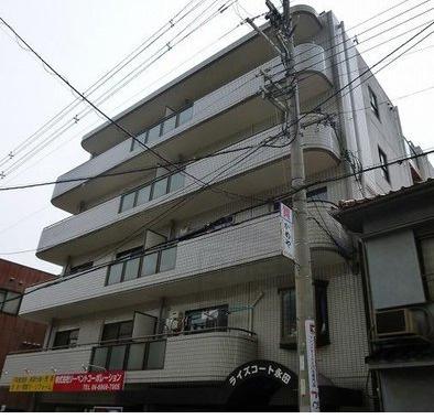 大阪府大阪市城東区の「ライズコート永田」は、外観もきれいです。