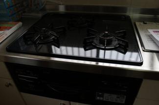 キッチンダイニング空間と和室は、仕切っても、繋がった空間としても活用できます。