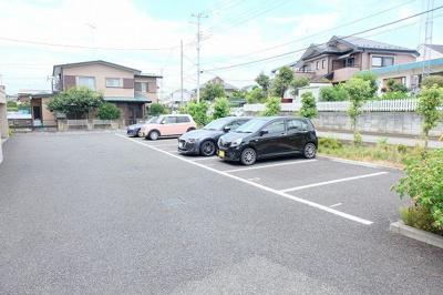 【駐車場】メゾンドコーワ