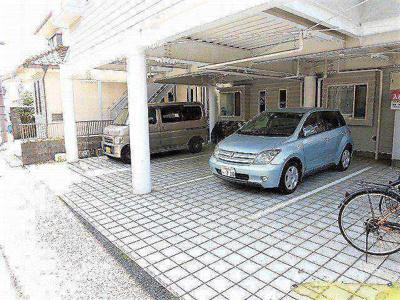 【駐車場】ホワイトレジデンス