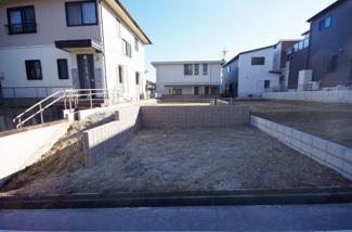 2号棟 現地(2019年2月)撮影 敷地面積131.46㎡(39.76坪)。 駐車並列2台可能。