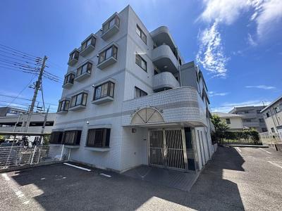 グリーンライン「北山田」駅より徒歩5分!鉄筋コンクリートの4階建てマンションです♪通勤通学はもちろん、お買い物やお出かけにもGood☆
