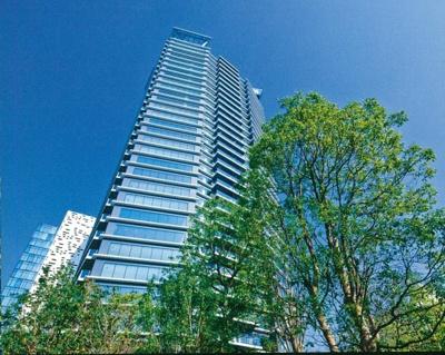 コンフォリア新宿イーストサイドタワーの外観です