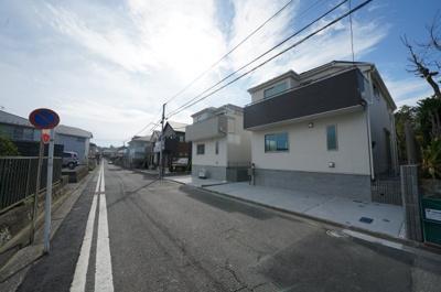 【前面道路含む現地写真】保土ヶ谷区狩場町 全2棟新築一戸建て【成約】