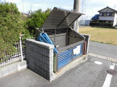 ゴミ置き場 イメージ写真