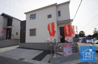 1号棟 現地(2019年2月)撮影 堂々完成しました!即入居可能♪ 敷地面積120.05㎡(36.32坪)。 駐車2台可能です。