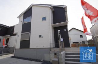 2号棟 現地(2019年2月)撮影 堂々完成しました!即入居可能♪ 敷地面積120.10㎡(36.33坪)。 駐車2台可能です。