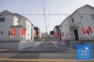 6号棟 現地(2019年2月)撮影 前面道路は北側幅員約8mの市道と、 西側幅員約5mの開発道路です。