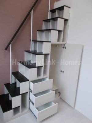 ハーモニーテラス加平の収納付き階段☆
