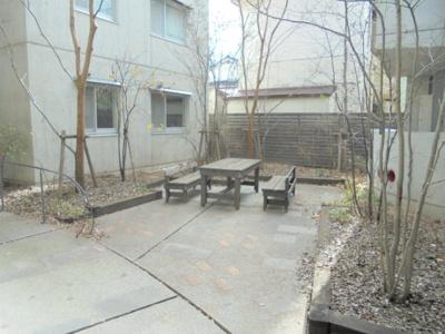 中庭 ガーデンパーティも可能