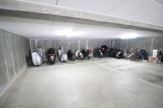 【駐車場】六甲司ハウス