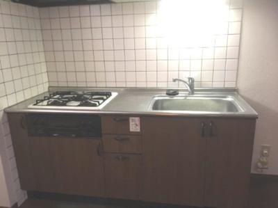 【キッチン】ロイヤルタウン成松