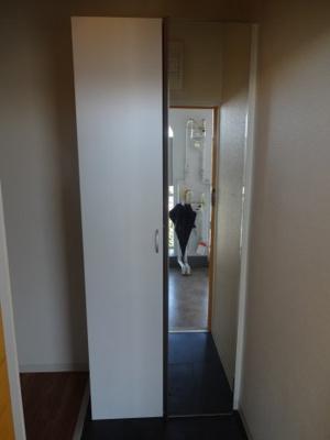 小林ビル 玄関にはたっぷり入るシューズボックスがあります!