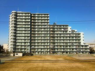 ツインエルシティ千葉弐番館 総戸数372戸の大型マンション!24時間の管理体制で安心です♪