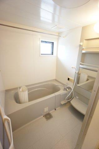 【浴室】リリーハウスA