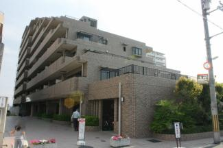 ライオンズマンション上野芝五丁 どっしりした外観です