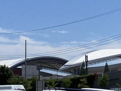物件の通りより、埼玉スタジアムが望めます