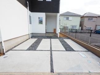 駐車スペース2台分