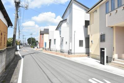 【前面道路含む現地写真】鴻巣市天神3丁目 新築分譲住宅全10棟