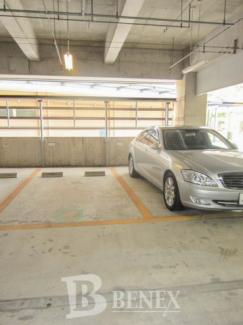 河田町ガーデン クラブフロアの駐車場です