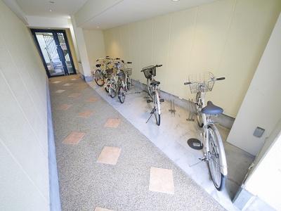 ゆったりとした駐輪スペース。