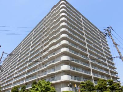 【現地写真】 鉄骨鉄筋コンクリート造の14階建♪ 陽当たりに良いマンションとなっております♪