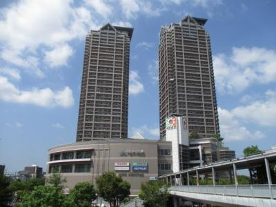 JR阪和線『堺市』駅まで徒歩3分の好立地‼イズミヤがすぐのお買い物も便利なマンション♪