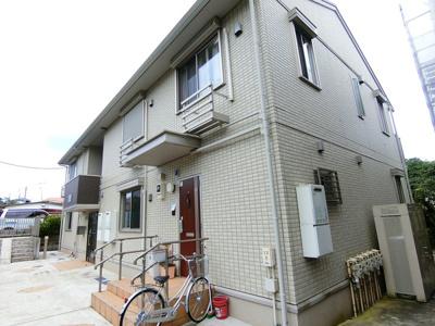 ペットOK♪ワンちゃん・猫ちゃんと一緒に暮らせる築浅の2階建てアパートです☆コンビニやドラッグストアも近くて便利な住環境です☆