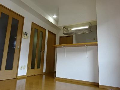 【居間・リビング】ブルースカイマンションⅢ