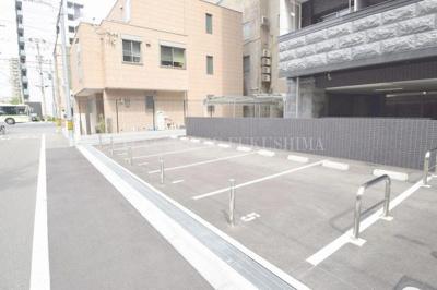 【駐車場】ララプレイス梅田西イルミナーレ
