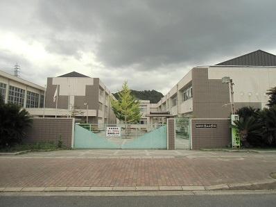 青山小学校