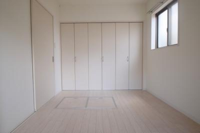 【寝室】アローフィールズ壱番館