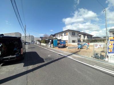 3月7日撮影 前面道路を含む販売現地