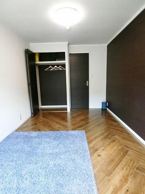 2帖のキッチンスペースです☆場所を取るお鍋やお皿もすっきり収納できます♪自炊生活で楽しく健康に!