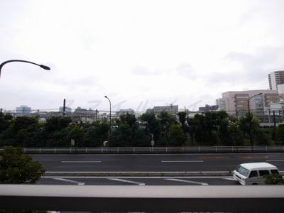 バルコニーからの眺望・東南向き・陽当たり良好です。