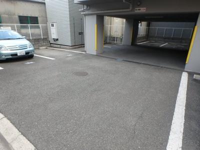【駐車場】コートビュータワー