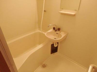 【浴室】ヴィラ・ルミエールNO.1