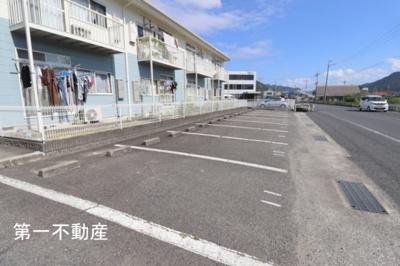 【駐車場】ドミールA