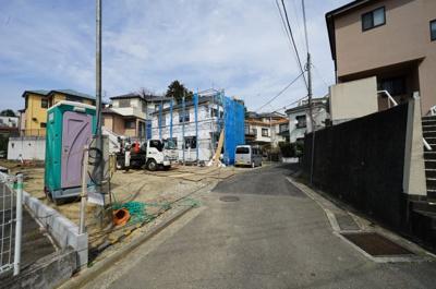 【前面道路含む現地写真】保土ヶ谷区岩崎町全3棟 新築戸建て【成約】